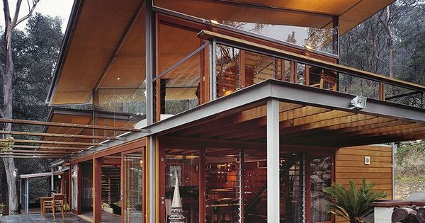 The Bowen Mountain House in Australia - composed of a steel frame,