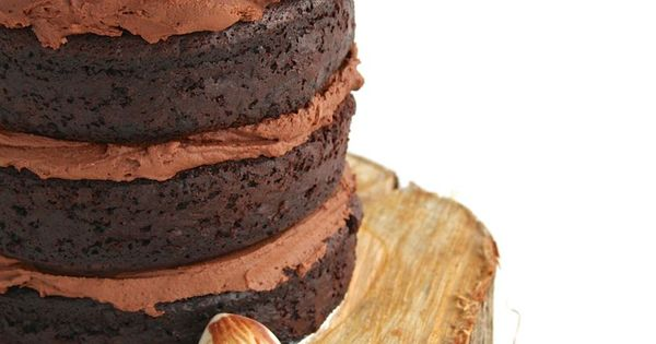 rich chocolate mud wedding cake recipe chocolate mud cakes are a dense and moist rich 19225