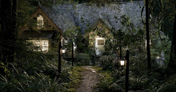 Twilight Breaking Dawn Pt 2 Inspired Luxury Homes Twilight House Honeymoon Cottages Cottage In The Woods