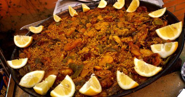 Authentic paella valenciana | Yummy...mostly cheesy. | Pinterest ...