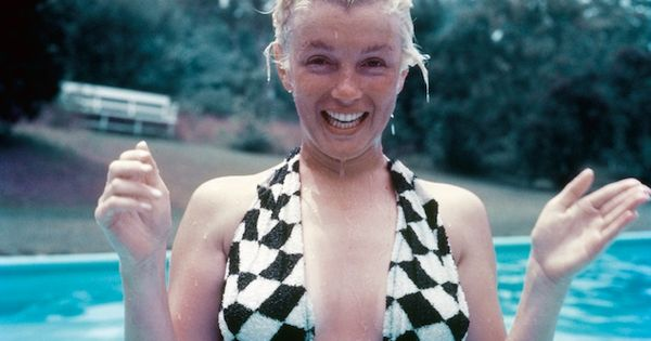 Marilyn Monroe without makeup. Natural beauty and always good for a funny