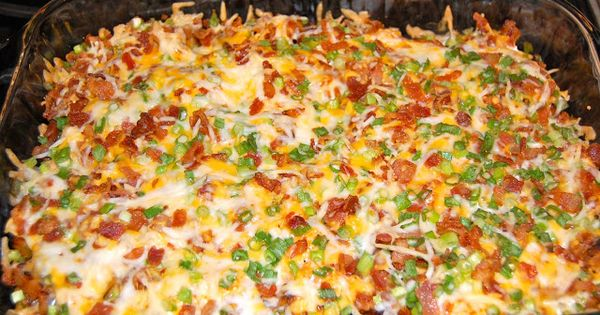 LOADED BAKED POTATO CHICKEN CASSEROLE: 2 lbs chicken breasts, 8 potatoes (cubed),