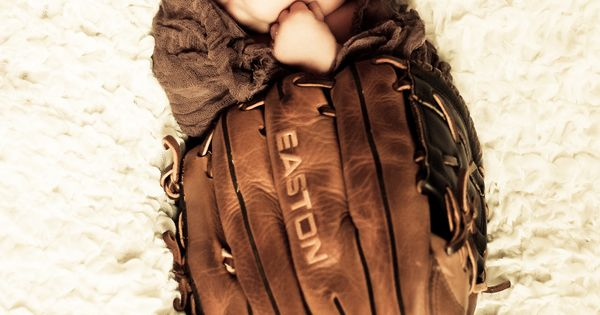 Baby snuggled in daddy's baseball glove, newborn pic. ideas!