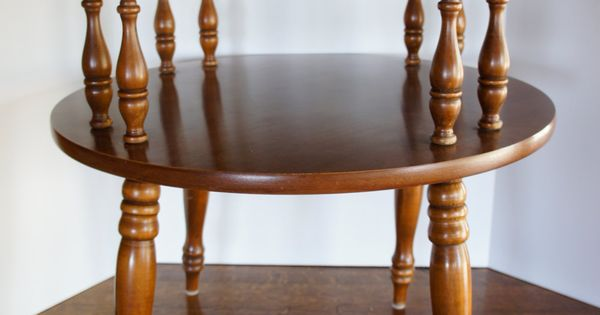 Vintage Round Wood End Table 2 Tier Colonial Drum от