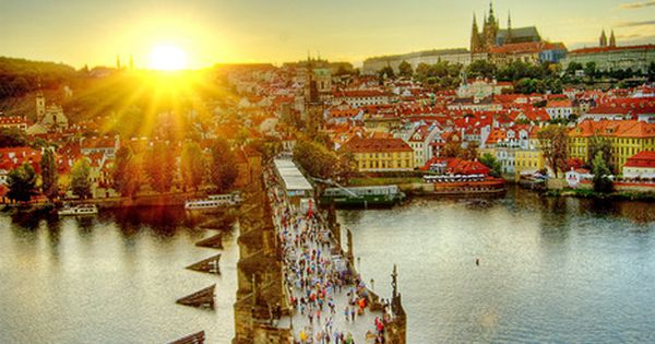 charles bridge prague czechrepublic