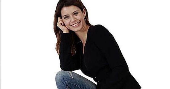 بيرين سات الممثلة الأكثر طلب ا في أوروبا والشائعات تقول أنها تركت زوجها كينان دوغلو كانت الممثلة التركية بيرين سات موضوع ا ل Style Fashion Bomber Jacket