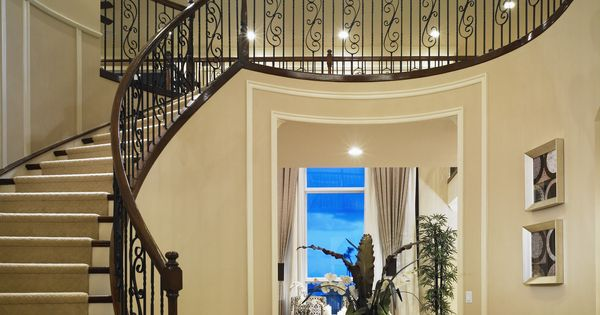 Jupiter House Foyer : Having company make a grand entrance down this exquisite