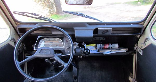 Citroen 2cv interior life cars pinterest life car for Garage ford la baule