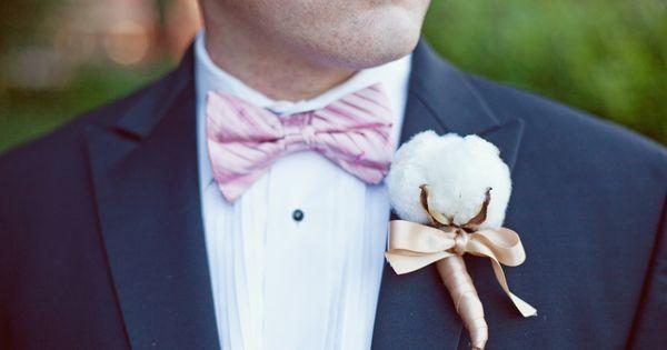 Wedding tie - Photo by Armosa Studios (www.armosastudios.com)