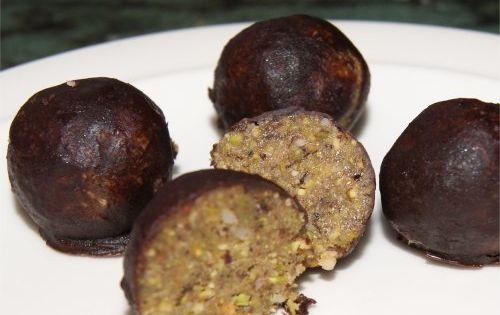Fresh dates, Brazil nut and Agaves on Pinterest