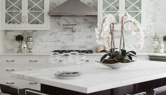 30 cocinas y comedores elegantes decoradas con blanco y for Comedores elegantes