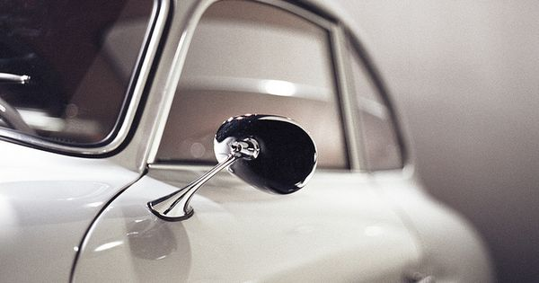 Such a classic design. Porsche/VW knows how to design sport cars| http://amazingsportcarcollectionsamely.blogspot.com