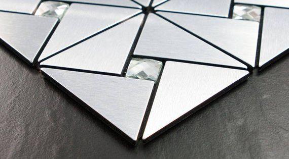 Pin By Mariela Centurion On Adornos Con Mosaiquisno In 2020 Peel And Stick Tile Stick Tile Backsplash Stick On Tiles