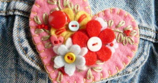 قماش الجوخ في أعمال فنية متعددة Felt Brooch Felt Embroidery Felt Crafts