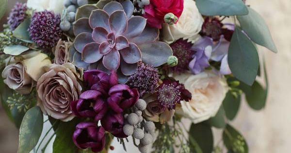 27 Stunning Wedding Bouquets For November Fall Flower