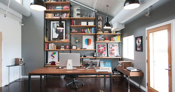 excellent layout. lots of indirect, non-glaring light. this office