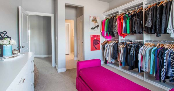 a extra spare bedroom in your home can be transformed into a beautiful dressing room like this. Black Bedroom Furniture Sets. Home Design Ideas