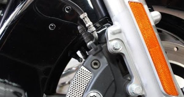 How To Bleed The Front And Rear Brake Lines On A Harley Rear Brakes Motorcycle Harley Bike