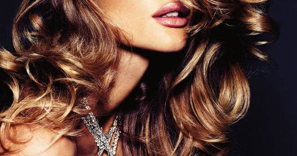 Golden Brown Hair Color - Rosie Huntington-Whiteley perfect wavy hair inspiration -