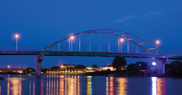 Bridge Between South Sioux City Ne To Sioux City Ia Marina Inn South Sioux City Ne South Sioux City Sioux City Sioux City Iowa