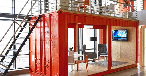 Inhouse brand architects offices waiting room in a for Petit container maritime