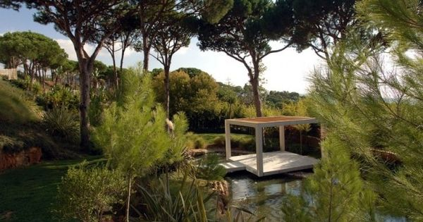 Jardin paysager contemporain design par francis landscapes paysages d co et design for Jardin paysager contemporain design