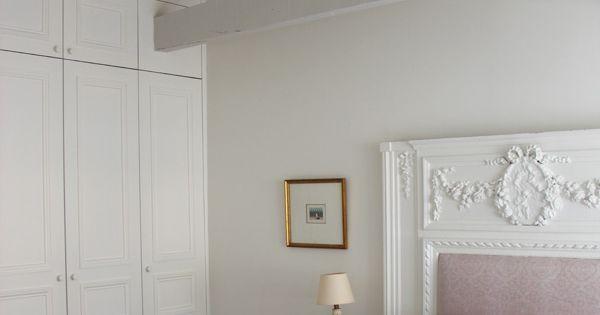 Feminine guest room