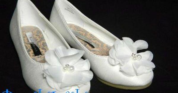 Biale Balerinki Podeszwa Plaska Z Przodu Buta Kwiatuszek But Wykonany Z Materialu Satyny Wymiary Wedding Shoe Wedding Sneaker Fashion