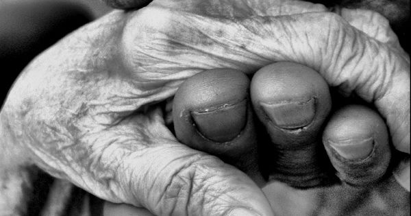 (elderly people in love beautiful black white photography) relationshipadvis...