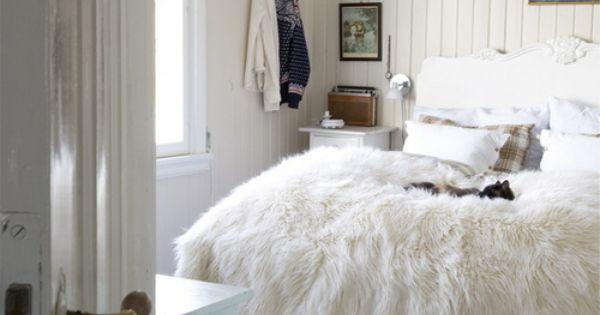 Pin van maartje van den bijgaart op interior inspiration pinterest grote mode maten - Grijze hoofdslaapkamer ...