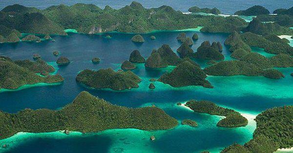 globe trotting les plus beaux paysages et voyages du monde les iles raja ampat en papouasie. Black Bedroom Furniture Sets. Home Design Ideas