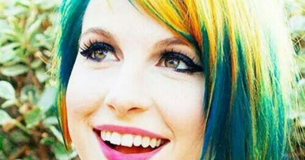 Hayley Williams. I don't understand - 34.7KB