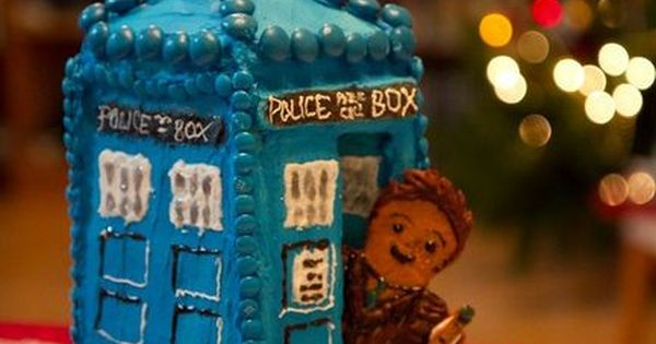 SCREW GINGERBREAD HOUSES, I'M MAKING A GINGERBREAD TARDIS!