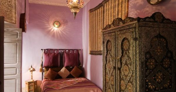 orientalische m bel orientalische kissen einrichtung ideen bedrooms pinterest chambre. Black Bedroom Furniture Sets. Home Design Ideas