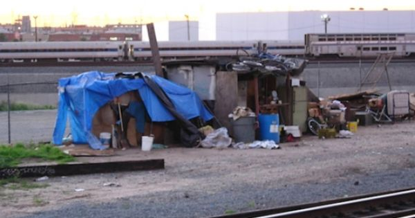 Homelessness In California Homes In The City Not On The Streets Opinion City House Homeless People California Homes