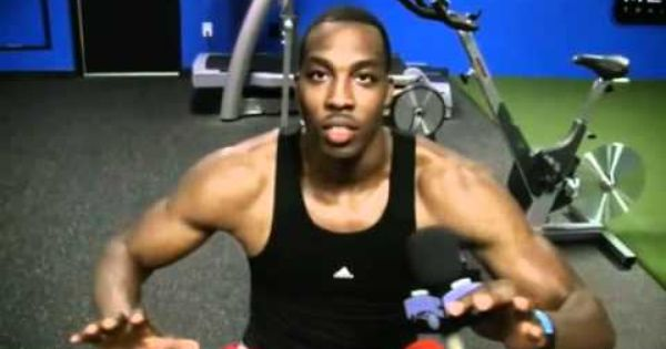 Dwight Howard Intense Gym Workout Doing Bench Press Pull Ups Having A Strong Core Does Not Mean You Have To Have Muscles Gym Workouts Dwight Howard Workout