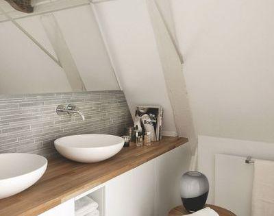 Un style nordique nature pour cette salle de bains plus for Salle de bain nordique