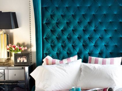 Design inspiration dramatic headboards tufted bed for Dramatic beds