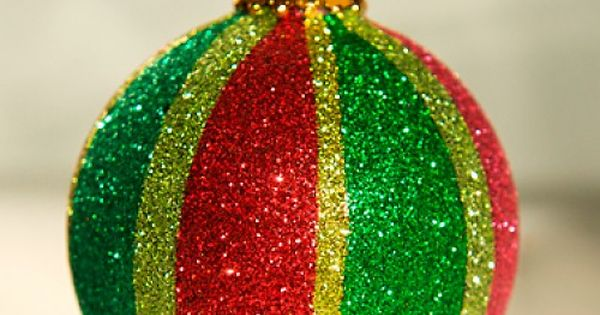 Glittered Ornaments: Make glittered ornaments for your Christmas tree with a craft