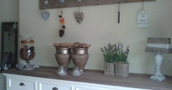 Decoratie boven dressoir huis idee n pinterest dressoir decoratie en foto album - Deco kleur muur decoratie ...