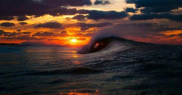 Sunset With Sea Wave Tap To See More Breathtaking Beach: Beautiful Hawaii, Hawaiian Sunset.