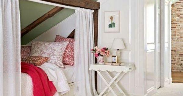 kinderzimmer mit dachschr ge gem tliche nieschen noch gem tlicher machen platzsparend und. Black Bedroom Furniture Sets. Home Design Ideas