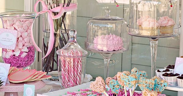 Love the dessert table. Everything in glass or silver buckets. Super country