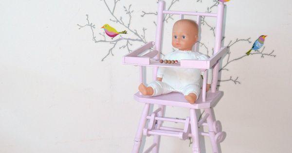 Chaise haute de poup e vintage coloris rose coussin for Chaise volante