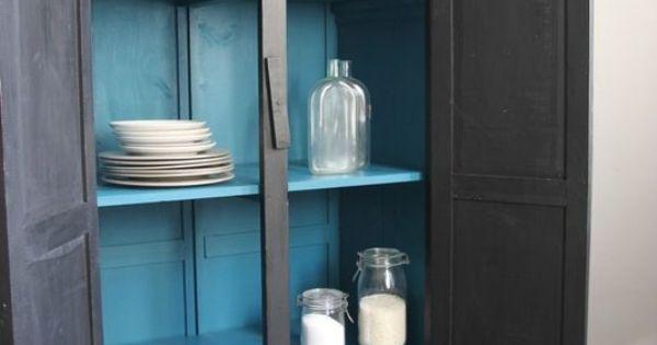 armoire patin e en noir et int rieur bleu canard petite belette d coration pinterest. Black Bedroom Furniture Sets. Home Design Ideas