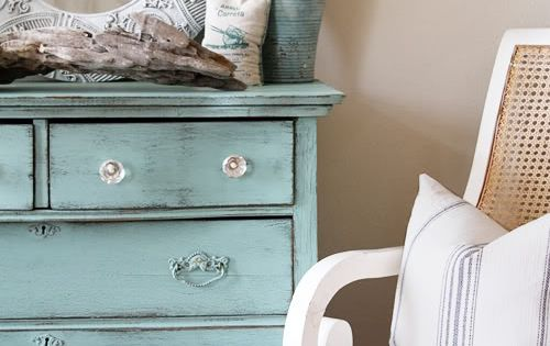Upcycle an old dresser with chalk paint and vintage knobs ~ SUMMER