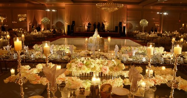Unforgettable Head Table Decor Filled With Fresh Flowers