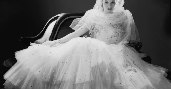 Lucille ball wedding dress photobucket i l ve l cy for Lucille ball wedding dress