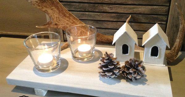Houten dienblad met winterse decoratie huisjes zijn leuk bijzonder winters wonen pinterest for Deco houten huis