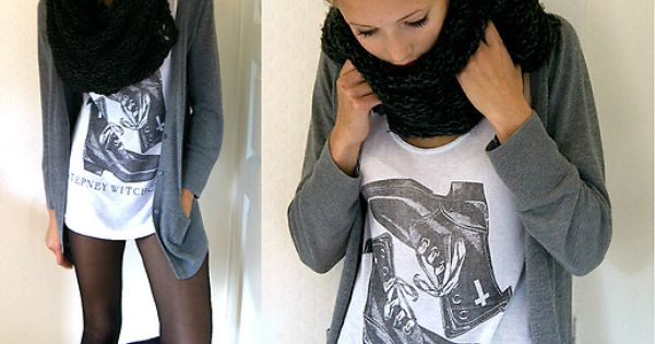 Black and white graphic tee, black leggings, gray cardi